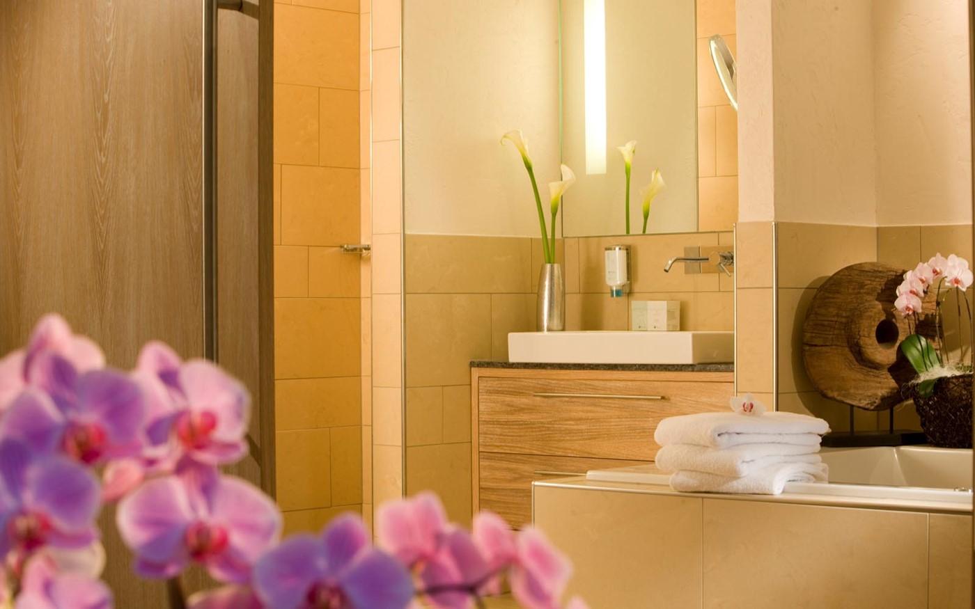 spa suite am wald bollants. Black Bedroom Furniture Sets. Home Design Ideas