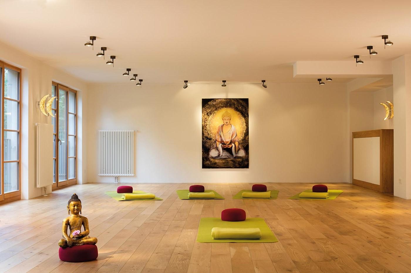 fitness meditation bollants. Black Bedroom Furniture Sets. Home Design Ideas